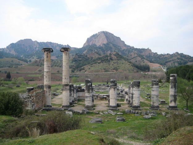 1200px-Temple_of_Artemis_in_Sardis